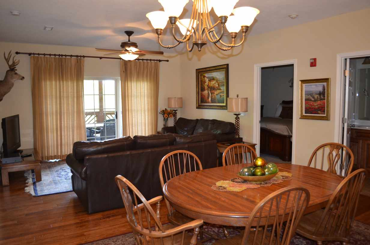 Dining room table for rw13 rockwood condos rent a luxury lakefront condo - Rent dining room table ...