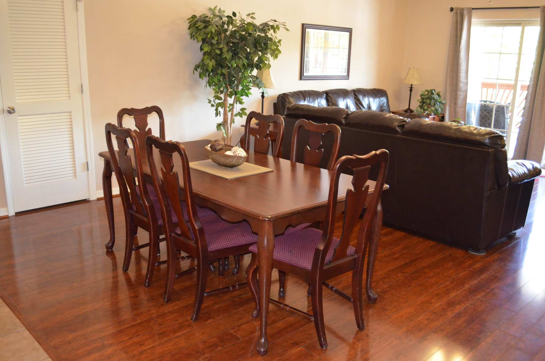dining-room-table-on-hardwood-floor