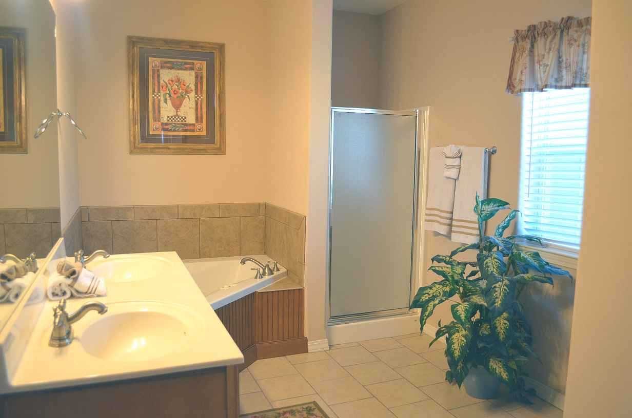 Corner Jacuzzi Tub With Stand Up Shower Rockwood Resort Condo 11